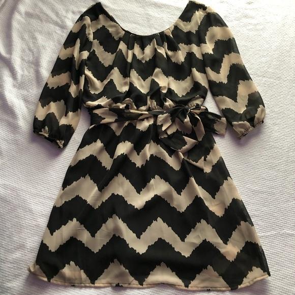 Dresses & Skirts - Chiffon long sleeve dress